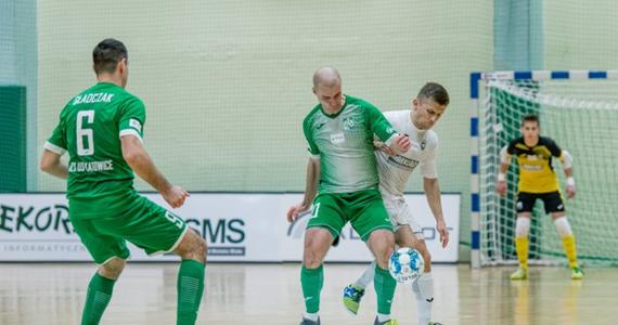 Po dziewięciu sezonach gry na najwyższym poziomie rozgrywkowym AZS UŚ Katowice żegna się ze STATSCORE Futsal Ekstraklasą. W decydującym spotkaniu Akademicy ulegli GI Malepszy Futsal Leszno 0:4.