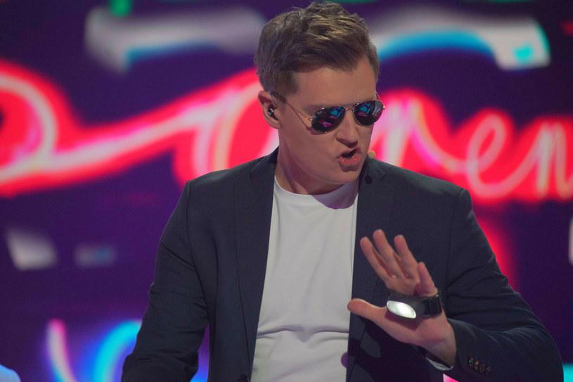 Rafał Brzozowski jest już po pierwszej próbie przed swoim występem na Eurowizji 2021. Jak wypadł wokalista? Polski gwiazdor spotkał się również po raz pierwszy z dziennikarzami.