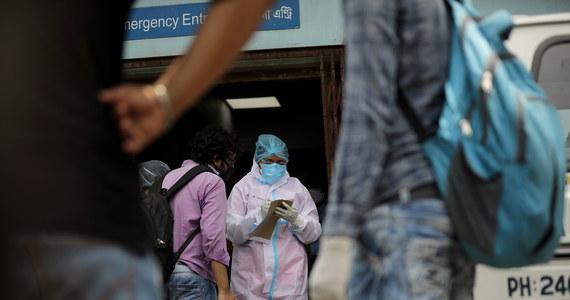 Lekarze w Indiach ostrzegają przed nagłym wzrostem przypadków mukormykozy, groźnej grzybicy, która atakuje pacjentów z Covid-19, prowadząc często do ich śmierci.