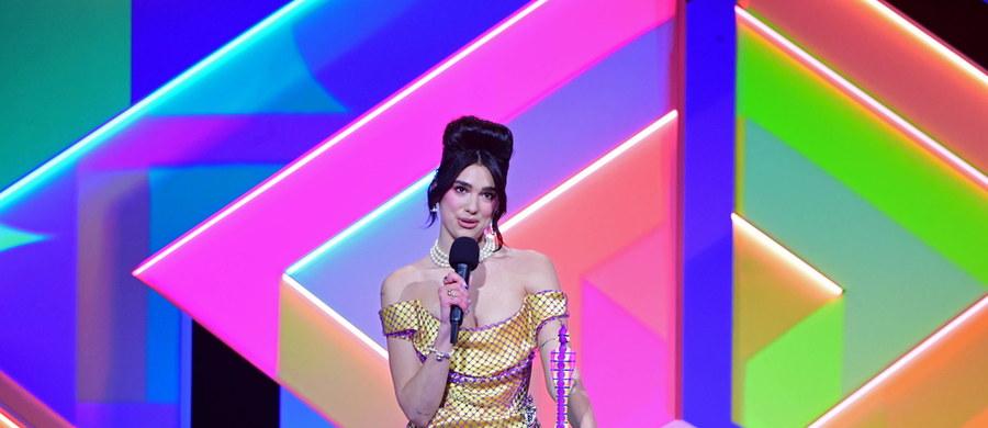Dua Lipa, Harry Styles, J Hus i grupa Little Mix - to główni wygrani tegorocznej ceremonii rozdania nagród brytyjskiego przemysłu fonograficznego - Brit Awards. Odbyła się ona  w londyńskiej hali The 02 Arena - z udziałem nie tylko artystów, ale i publiczności.