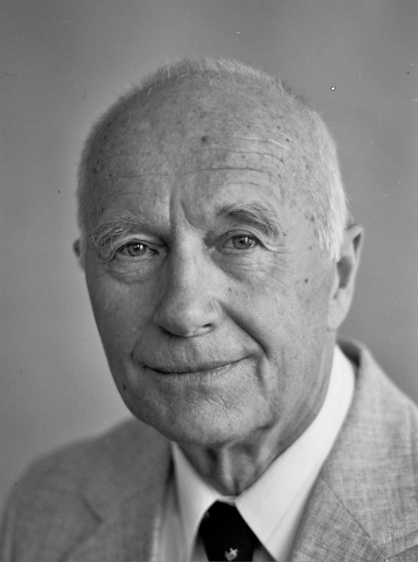 """9 maja, w wieku 90 lat, zmarł aktor teatralny, filmowy i telewizyjny Ferdynand Matysik. Był znany z takich produkcji jak """"Popiół i diament"""", """"Sami swoi"""", """"Kogel-mogel"""" i seriali """"Świat według Kiepskich"""" czy """"Daleko od szosy"""". O jego śmierci poinformował właśnie Teatr Polski we Wrocławiu."""