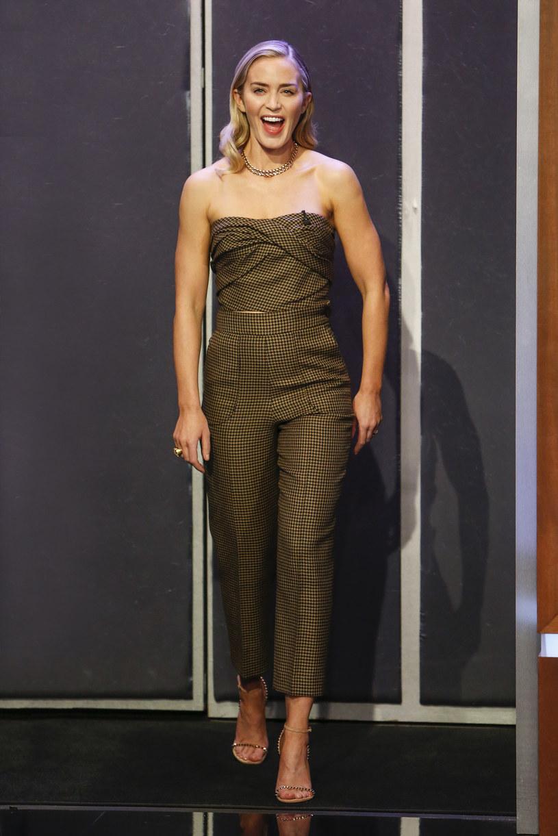 """Choć postać Czarnej Wdowy z sukcesem sportretowała na ekranie Scarlett Johansson, pierwotnie rolę tę chciano powierzyć Emily Blunt. Aktorka w najnowszym wywiadzie zdradziła, dlaczego finalnie nie otrzymała angażu. Konieczność odrzucenia roli w filmie """"Iron Man 2"""" wynikała z kontraktu, który podpisała wcześniej z wytwórnią 20th Century Fox. """"To, że musiałam zrezygnować z roli Czarnej Wdowy, złamało mi serce"""" - wyznała."""