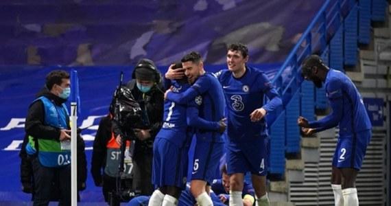 Europejska Unia Piłkarska zdecydowała się przenieść finał Ligi Mistrzów ze Stambułu do Porto. Mecz Manchesteru City z Chelsea Londyn odbędzie się 29 maja na stadionie Dragao. Na trybunach zasiądzie po sześć tysięcy fanów obu zespołów.