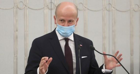 Solennie deklaruję, że nie będę rzecznikiem ani rządu, ani opozycji, deklaruję, że będę stawał po stronie obywateli - powiedział w czwartek w Senacie kandydat na RPO Bartłomiej Wróblewski.