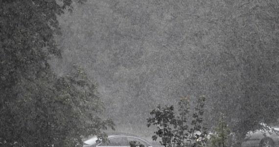 Ponad 500 razy interweniowali w czwartek strażacy w związku ze zjawiskami pogodowymi - poinformował PAP mł. bryg. Karol Kierzkowski z Państwowej Straży Pożarnej. Najwięcej interwencji odnotowano w województwie śląskim.
