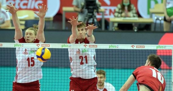 Polscy siatkarze wygrali z Belgami 4:0 (25:13, 25:14, 25:14, 25:17) w meczu towarzyskim w Łodzi. W piątek w tym samym mieście odbędzie się kolejne spotkanie tych drużyn.