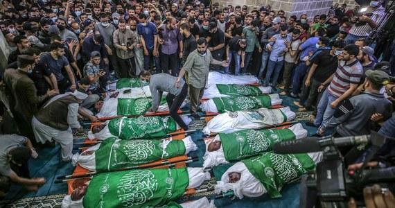 Sekretarz stanu USA Antony Blinken powiedział w czwartek, że Waszyngton jest głęboko zaniepokojony przemocą, do jakiej dochodzi na ulicach Izraela. Powtórzył swe wcześniejsze deklaracje, że państwo żydowskie ma pełne prawo do obrony przed atakami rakietowymi Hamasu.
