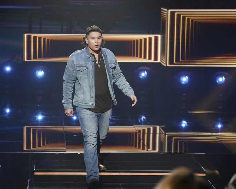 """16 maja odbędzie się półfinał 19. sezonu amerykańskiego """"Idola"""". Krótko przed jego emisją doszło do ujawnienia skandalicznych nagrań z jednym z wokalistów, co doprowadziło do wyrzucenia go z programu."""