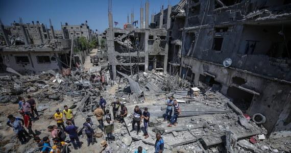 Do 10 wzrosła liczba Palestyńczyków zabitych w piątek podczas starć z siłami Izraela na Zachodnim Brzegu Jordanu - poinformowały władze palestyńskie. Ok. 150 osób jest rannych. Od izraelskich kul zginął też Libańczyk, który podczas protestu próbował sforsować granicę tego kraju z Izraelem.