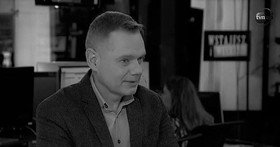 Nie żyje Rafał Poniatowski, reporter TVN24, przed laty związany z RMF FM. Dziennikarz od kilku lat walczył z nowotworem. Miał 48 lat.