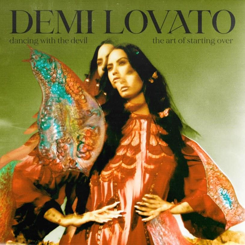 """Trudno posłuchać płyty Demi Lovato i obiektywnie ją ocenić. """"Dancing with the Devil... The Art of Starting Over"""" to zbiór do bólu szczerych słów o przeżyciach, których większość z nas - na szczęście - nigdy nie doświadczy. Dobrze by było, gdyby muzyka na tym albumie im dorównała."""