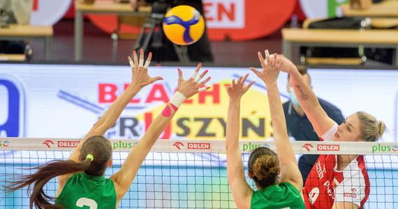 Polskie siatkarki pokonały w Łodzi Bułgarki 3:2 (25:23, 23:25, 25:22, 20:25, 15:12) w ostatnim sprawdzianie przed turniejem Ligi Narodów, który 24 maja rozpocznie się we włoskim Rimini. Dzień wcześniej biało-czerwone zwyciężyły 3:1.