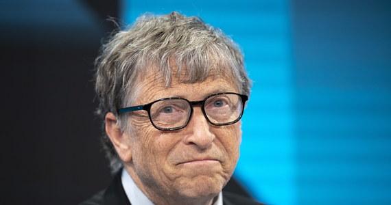 Bill Gates zrezygnował z zasiadania w zarządzie Microsoftu w związku z ujawnieniem jego romansu z pracownicą firmy - twierdzą amerykańskie media. Rzecznik miliardera zaprzecza.