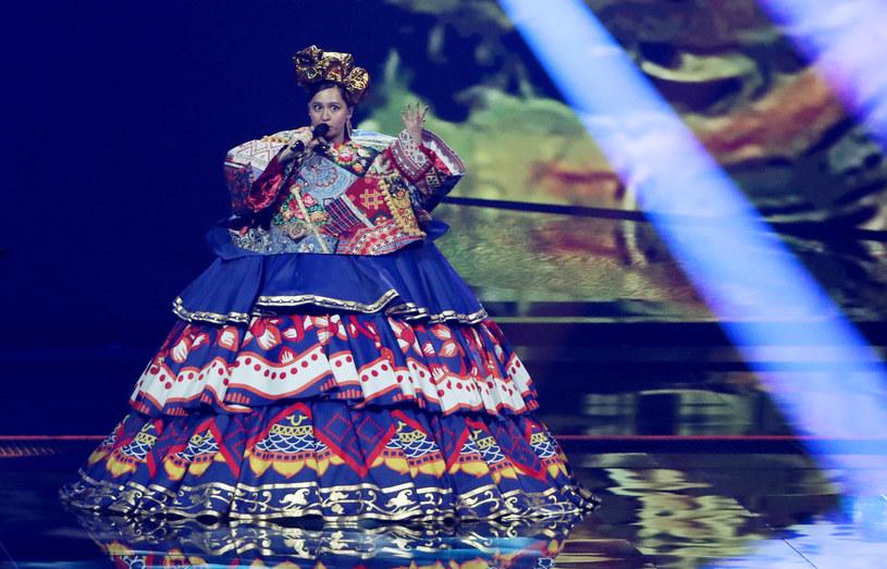 """Mająca tadżyckie korzenie Maniża jest tegoroczną przedstawicielką Rosji na Eurowizji. Jak się jednak okazało to kraj, który reprezentuje, miał do niej najwięcej pretensji. Dlaczego """"Russian Woman"""" budzi kontrowersje?"""