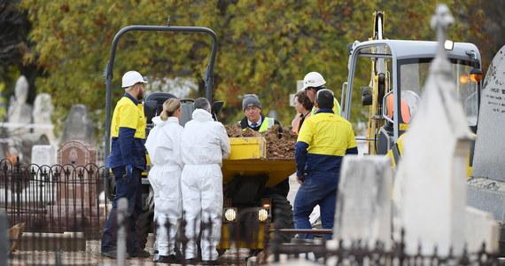 Ekshumacja ciała mężczyzny, znalezionego ponad 70 lat temu na plaży, ma pomóc rozwiązać jedną z największych zagadek kryminalistycznych Australii.