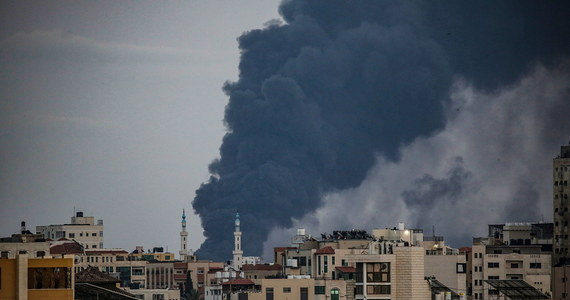 Przedstawiciel Hamasu oświadczył, że porozumienie o wstrzymaniu walk zostało zawarte, ale Izrael musi teraz zaprzestać naruszania praw Palestyńczyków w Jerozolimie i zająć się kwestią zniszczeń wyrządzonych przez swoje bombardowania Strefy Gazy.
