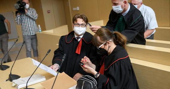 Przesyłka z listem i załączonymi dwoma telefonami komórkowymi, w których mają być nowe informacje ws. śmierci Ewy Tylman, trafiła do poznańskiego sądu. To nowy dowód w ponownym procesie Adama Z., oskarżonego o zabójstwo kobiety.
