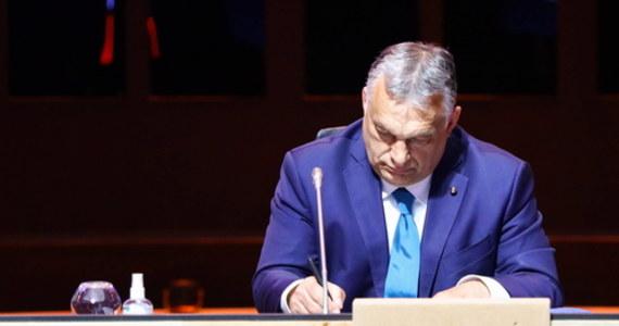 Oni już tę decyzję podjęli, nie podjęli tylko decyzji kiedy - powiedział w piątek Kosma Złotowski, europoseł PiS, pytany o wstąpienie przedstawicieli Fideszu do grupy EKR w Parlamencie Europejskim.