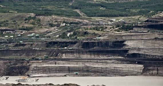 Polska musi wykonać postanowienie Trybunału Sprawiedliwości Unii Europejskiej w sprawie tymczasowego zamknięcia kopalni węgla brunatnego w Turowie - przekazała RMF FM Komisja Europejska. Podkreśliła, że będzie monitorować wykonanie wydanego nakazu. W piątek TSUE przychylił się do czeskiego pozwu, które sprzeciwiały się rozbudowie kopalni przy ich granicy.
