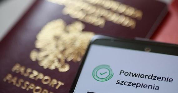 Technicznie jesteśmy przygotowani do wprowadzenia paszportów covidowych – zapewnił minister zdrowia Adam Niedzielski. Gość Krzysztofa Ziemca w RMF FM mówił, że nie ma obaw o bezpieczeństwo naszych danych.