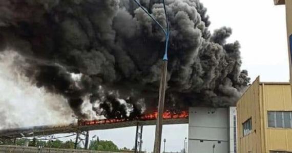 Blok energetyczny nr 14 w Elektrowni Bełchatów został czasowo wyłączony. To efekt wczorajszego pożaru, podczas którego uszkodzony został m.in. taśmociąg, który transportował węgiel. Elektrownia uruchomiła jeden z czterech rezerwowych bloków energetycznych.