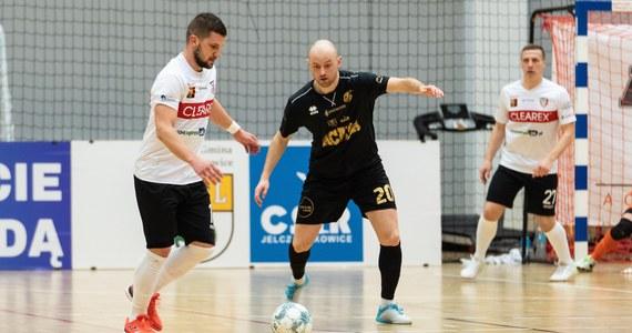 Miniona kolejka STATSCORE Futsal Ekstraklasy nie przyniosła nam odpowiedzi na pytanie ani kto zostanie wicemistrzem Polski, ani kto jako ostatni zapewni sobie utrzymanie. Mimo to kilku zawodników miało duże powody do radości.