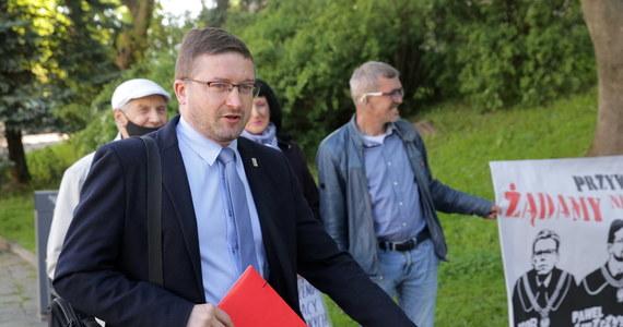 Sędzia Paweł Juszczyszyn stawił się w Sądzie Rejonowym w Olsztynie, domagając się przywrócenia do orzekania. Prezes sądu Maciej Nawacki oświadczył, że dopuści go do pracy wtedy, gdy zostanie uchylona uchwała Izby Dyscyplinarnej SN.