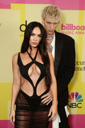 Billboard Music Awards 2021. Megan Fox w kusej kreacji