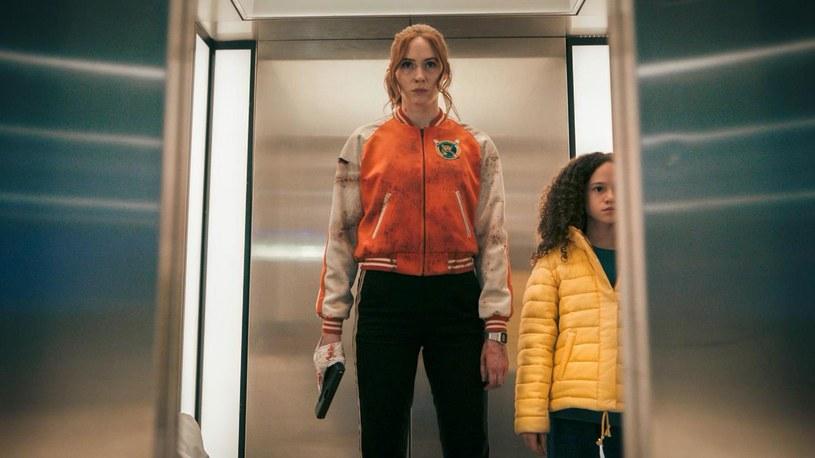 """Na takie kino akcji czekaliście! Nadchodzi """"Gunpowder Milkshake"""", czyli prawdziwa jazda bez trzymanki, już od 13 sierpnia w kinach! W rolach głównych wściekłe, szybkie i piekielnie niebezpieczne Karen Gillan, Lena Headey i Angela Bassett."""