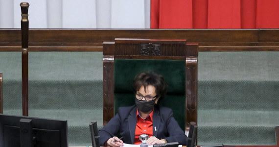 Marszałek Sejmu Elżbieta Witek wyznaczyła termin do czwartku, 27 maja, na ponowne zgłaszanie kandydatów na nowego Rzecznika Praw Obywatelskich - dowiedziała się PAP. Do tej pory parlament czterokrotnie, bezskutecznie próbował powołać nowego RPO.