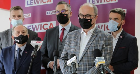 """Prawo i Sprawiedliwość wciąż cieszy się największym poparciem w Polsce - wynika z sondażu United Surveys dla RMF FM i """"Dziennika Gazety Prawnej"""". Znacząco traci Lewica, zyskują zaś Polska 2050 i Koalicja Obywatelska."""