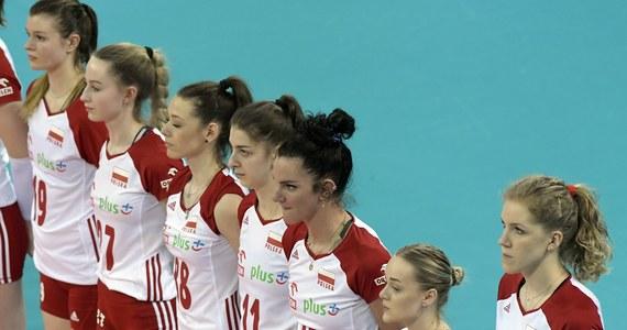 Polskie siatkarki przegrały we włoskim Rimini z Serbkami 1:3 (25:20, 17:25, 16:25, 21:25) w swoim drugim meczu Ligi Narodów. Dzień wcześniej wygrały z Włoszkami 3:2, a w kolejnym meczu w czwartek zmierzą się z Turczynkami.