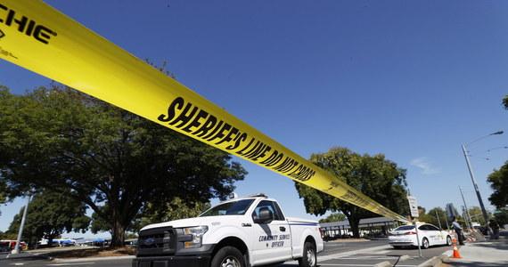 Strzelanina na terenie należącym do przedsiębiorstwa komunikacyjnego w San Jose w Kalifornii. Russell Davis, rzecznik szeryfa hrabstwa Santa Clara, poinformował, że zginęło osiem osób. Sprawca strzelaniny nie żyje, był pracownikiem VTA.
