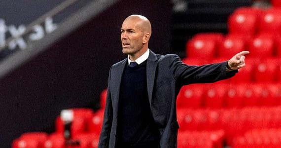"""Zinedine Zidane zrezygnował z funkcji trenera piłkarzy Realu Madryt. To już oficjalne. Wcześniej o takim scenariuszy pisały hiszpańskie media. Francuski szkoleniowiec o swojej decyzji miał już poinformować władze klubu oraz samych piłkarzy. """"Królewscy"""" w tym sezonie zostali wicemistrzami Hiszpanii."""
