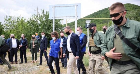 """""""Bardzo źle odnosimy się do takiej retoryki"""" - powiedział rzecznik Kremla Dmitrij Pieskow, pytany przez dziennikarzy o wypowiedź prezydenta Polski Andrzeja Dudy. Podczas wizyty w Gruzji prezydent powiedział, że """"Rosja nie jest normalnym krajem, nie jest państwem, które się normalnie zachowuje, jest państwem-agresorem""""."""
