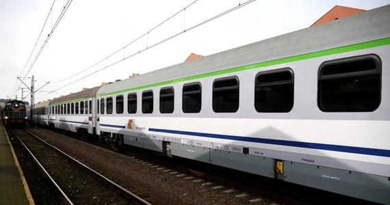 W wakacyjnym rozkładzie pociągów PKP Intercity wzrośnie liczba uruchamianych przez przewoźnika pociągów. Będzie też więcej stacji, na których składy się zatrzymają.