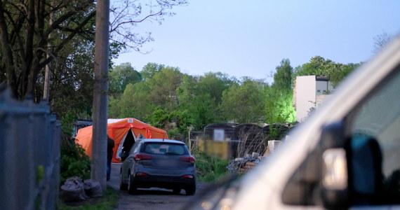 Śledczy sprawdzają miejsce, gdzie ukryte zostały zwłoki 11-latka z Katowic. W badaniach wykorzystują georadar. Przypomnijmy, 41-letni mężczyzna, który przyznał się do porwania i zabójstwa Sebastiana, trafił na trzy miesiące do aresztu. Ta tragiczna historia wstrząsnęła całą Polską.