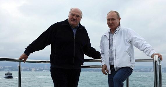 Współpraca gospodarcza i walka z pandemią były głównymi tematami spotkania Władimira Putina i Alaksandra Łukaszenki - poinformował w sobotę rzecznik Kremla. Rozmawiano także o incydencie z samolotem Ryanair i aresztowaniu Rosjanki Sofii Sapiegi.