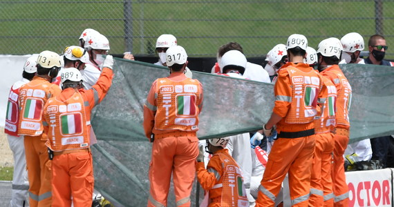 Lekarzom nie udało się uratować życia szwajcarskiego motocyklisty Jasona Dupasquiera (KTM). 19-latek wczoraj miał wypadek w czasie kwalifikacji przed wyścigiem o Grand Prix Włoch, 6. rundą mistrzostw świata w klasie Moto3.