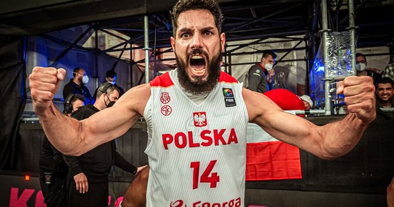 Reprezentacja Polski 3x3 mężczyzn z kwalifikacją do Letnich Igrzysk Olimpijskich Tokio 2020! Biało-czerwoni pokonali w półfinale Łotwę 20:18.