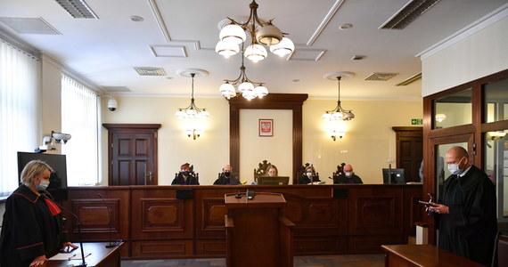 Na kary dożywocia skazał Sąd Apelacyjny w Gdańsku dwóch głównych oskarżonych ws. zabójstwa w 2014 r. przedsiębiorcy z Pomorza. Mężczyznę dotkliwie pobito, a następnie pogrzebano żywcem. Wyrok jest prawomocny.