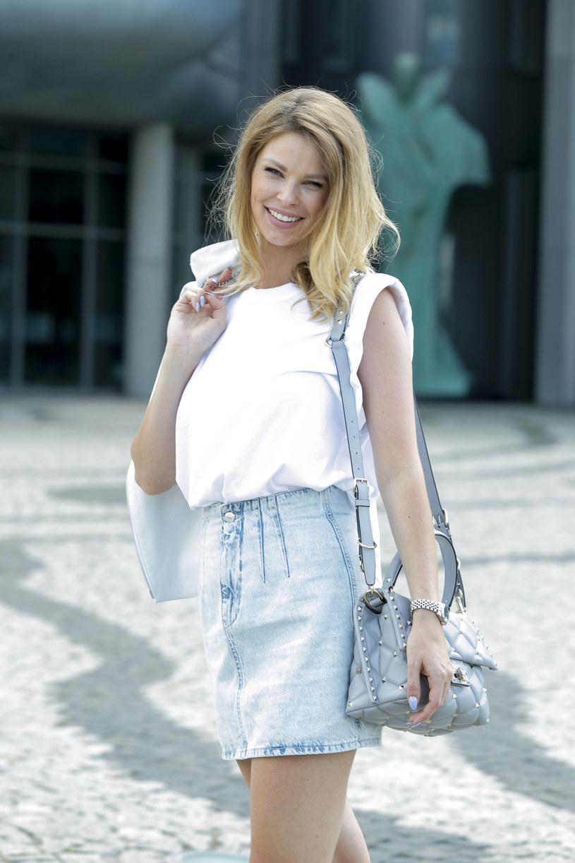 Małgorzata Tomaszewska, córka sławnego bramkarza Jana Tomaszewskiego i świetnej tenisistki Katarzyny Calińskiej, została wychowana w duchu sportowym. Podobne wartości dziennikarka TVP przekazuje też swojemu synkowi Enzo.