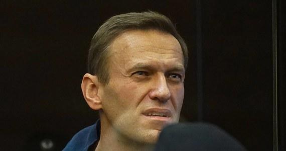 Sąd w obwodzie włodzimierskim w Rosji rozpatruje skargę Aleksieja Nawalnego przeciw władzom więziennym, które uznały go za więźnia skłonnego do ucieczki. Ten status sprawił, że opozycjonista był regularnie budzony w nocy, w celu sprawdzenia obecności.