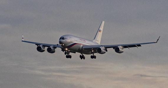Niemcy zawiesiły przyloty rosyjskich linii lotniczych na swoje terytorium w odpowiedzi na brak zgody Rosji na loty Lufthansy do tego kraju - poinformowało ministerstwo transportu w Berlinie.