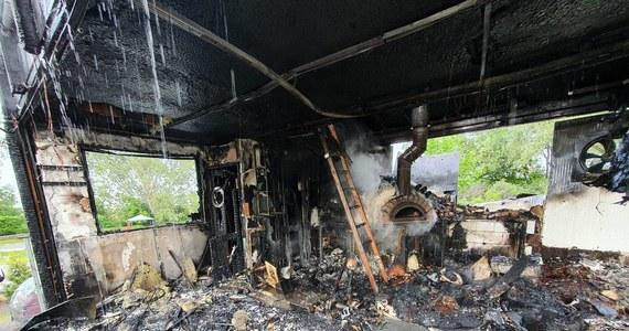 Spłonęła znana restauracja przy ul. Starowiejskiej we Władysławowie. Na razie nie wiadomo, co było przyczyną pojawienia się ognia.