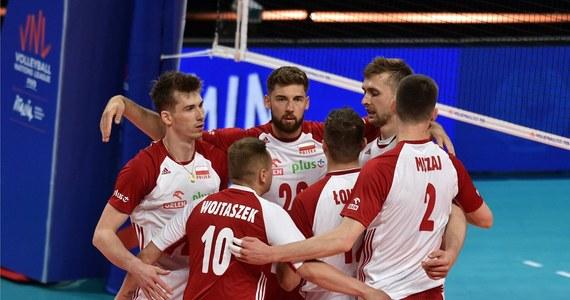 Reprezentacja Polski w dobrym stylu ograła Australię w Lidze Narodów (3:0). Biało-czerwoni dominowali w każdym elemencie. To była trzecia wygrana polskich siatkarzy w tegorocznej edycji rozgrywek.