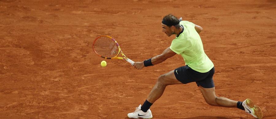 Rafael Nadal wygrał z Francuzem Richardem Gasquetem 6:0, 7:5, 6:2 i awansował do trzeciej rundy wielkoszlemowego turnieju French Open. Hiszpan walczy o 14. tytuł w tej imprezie i poprawienie własnego rekordu.