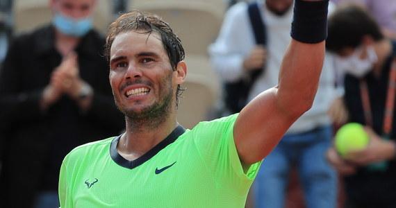 """Rozstawiony z """"trójką"""" Rafael Nadal wygrał z Brytyjczykiem Cameronem Norriem 6:3, 6:3, 6:3 i awansował do 1/8 finału (czwartej rundy) wielkoszlemowego turnieju French Open. Słynny hiszpański tenisista walczy o 14. tytuł w tej imprezie i poprawienie własnego rekordu."""