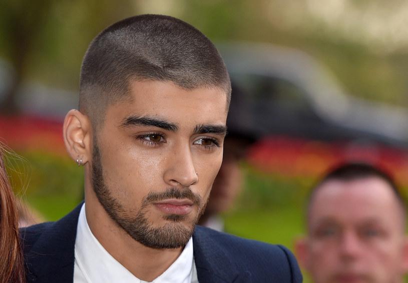 Były wokalista One Direction – Zayn Malik – omal nie pobił się z innymi imprezowiczami przed jednym z barów w Nowym Jorku. Nagranie ze zdarzenia wyciekło do sieci.