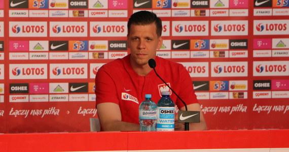 Bramkarz reprezentacji Polski Wojciech Szczęsny przyznał, że w przypadku hierarchii bramkarzy w kadrze woli obecną sytuację niż tę z przeszłości. Jak już wcześniej zapowiedział trener Paulo Sousa, golkiper Juventusu Turyn jest jego pierwszym wyborem, również podczas Euro.
